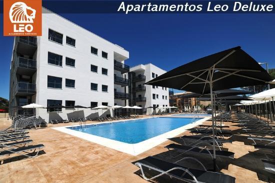 Apartamentos Leo Deluxe: Piscina
