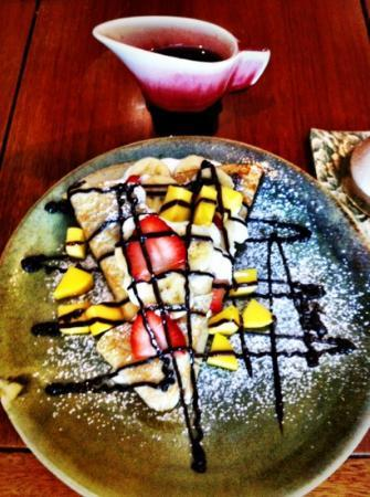 Live Present Moment: fruit nutella crepe