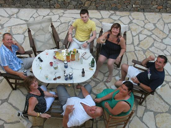 Stevens on the Hill: drinks on the terrace of the accomodation