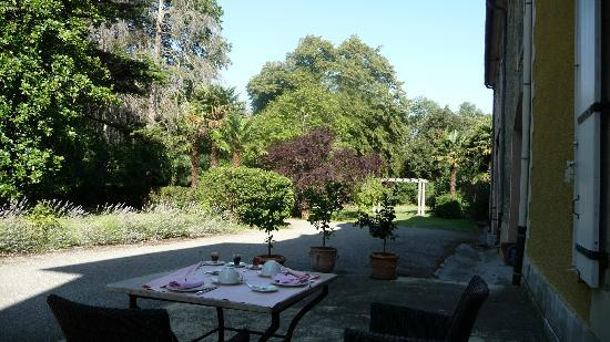 Chateau La Prade: garden from the breakfast terrace