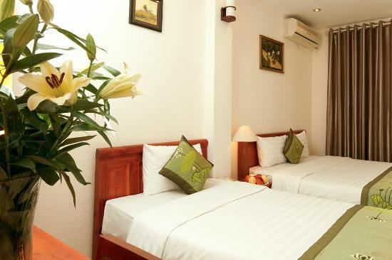 Green Diamond Hotel: Triple room