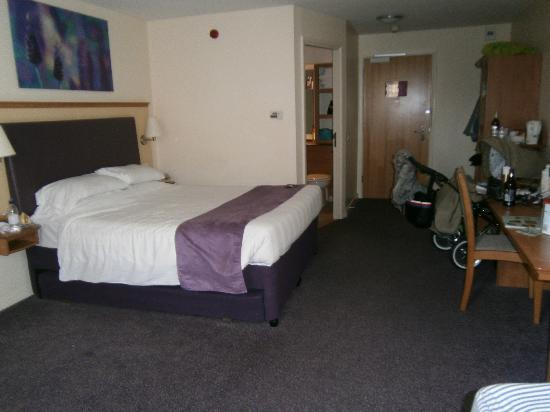 Premier Inn Wakefield City North Hotel: bedroom