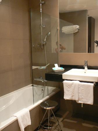 Areca Hotel: La salle de bains moderne et propre