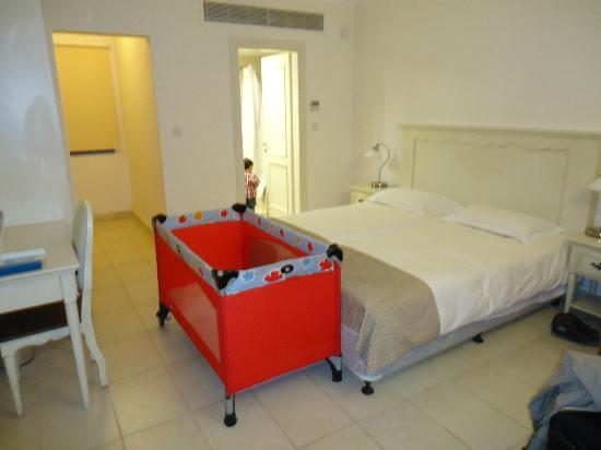 Aliathon Holiday Village: Room in Fishing Village
