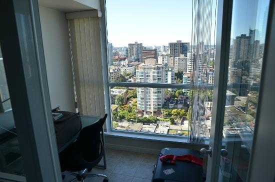 Carmana Plaza: 'office' in your room