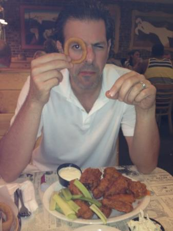 The Chicken or the Egg : tasty wings and giant rings!