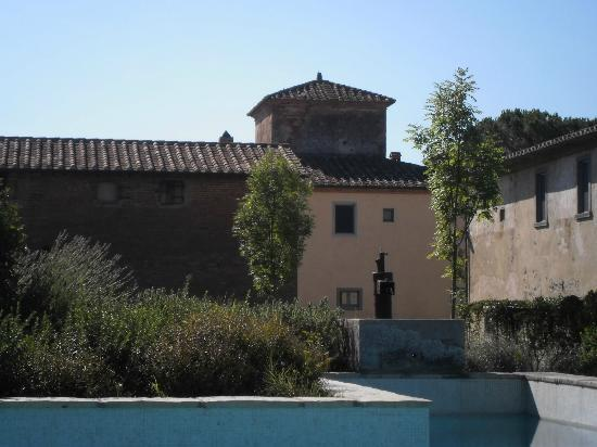 Cortona Resort - Le Terre dei Cavalieri: view from the pool