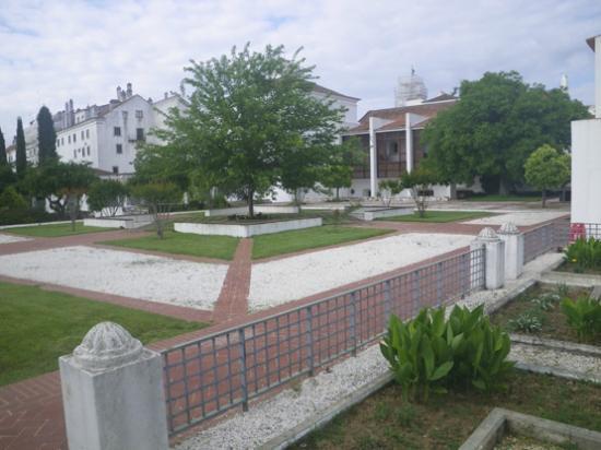 Pousada Convento de Vila Vicosa: garden