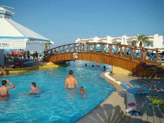 Dreams Beach Resort: basen główny