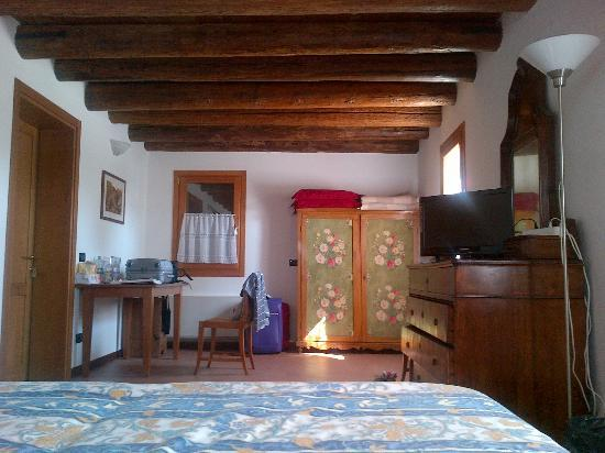 Agriturismo B&B Gallo Nero : Habitación Le Rondini