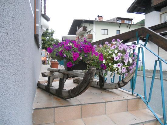 Sporthotel Kitz : all'ingresso del hotel