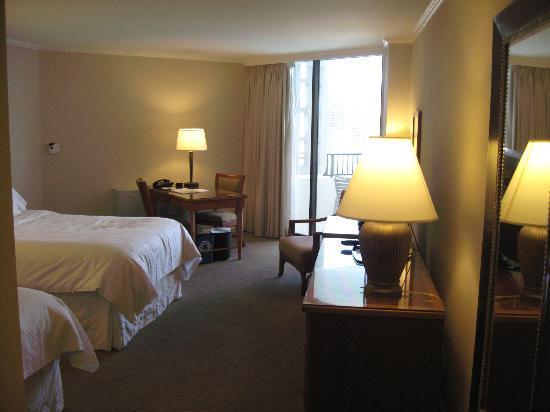 Moana Surfrider, A Westin Resort & Spa: 旅行カバンも3個は軽く広げられます!