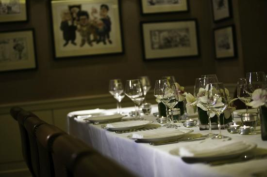 The saddle room martyn turner room picture of the for Best private dining rooms dublin