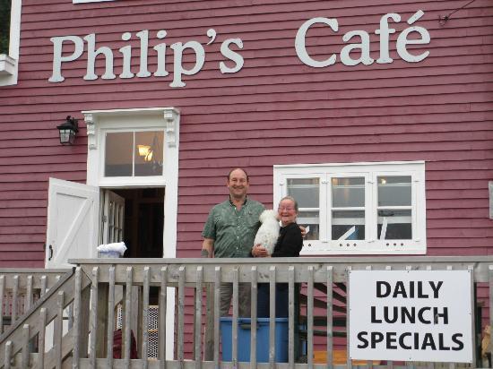 Philip's Cafe: Philip, Linda, and Muff