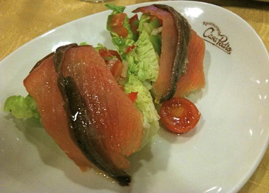 Puente Genil, Spanje: cogollos con salmon