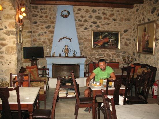 Arhontiko Kefalari: la sala per la colazione