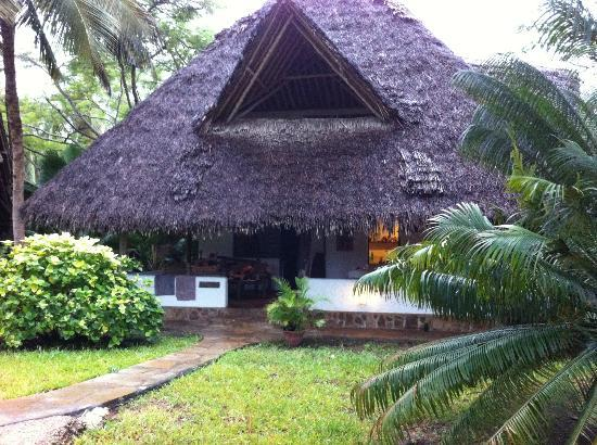 Shambani Cottages: villa tembo