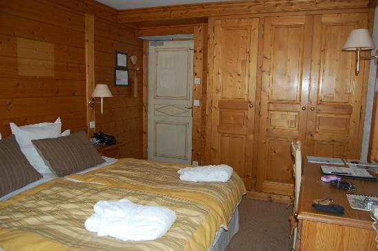 Chalet hotel La Marmotte : La chambre