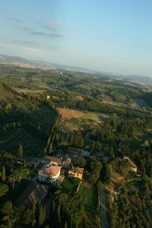 Pratello Country Resort: view from the air