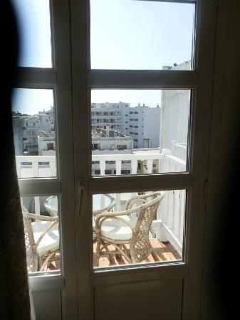 Mitsis Petit Palais Beach Hotel : Vue de la chambre 603
