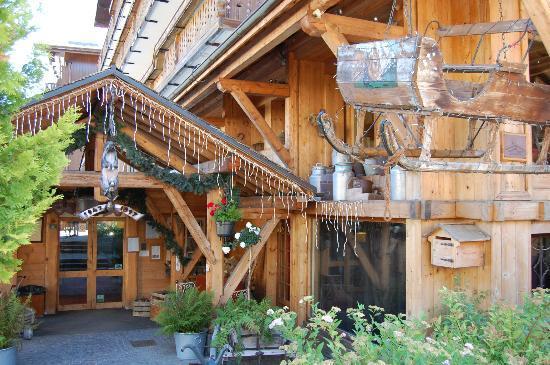 Chalet hotel La Marmotte : Entrée du Châlet Hôtel La Marmotte
