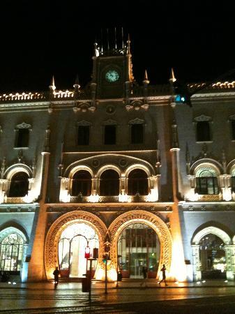 Lisbon Destination Hostel: Building view from outside
