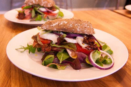 2takt Cafe & Brasserie : Sandwich