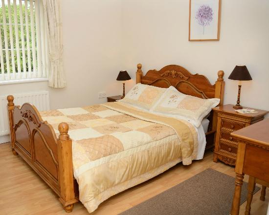 Ballycanal Self Catering: Double Room