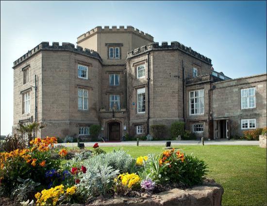 Leasowe Castle Hotel : Outside