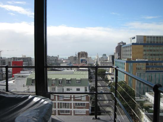 Manhattan Lofts: Hot tub with a view