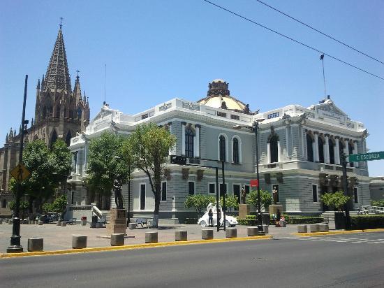 Rectoría de la Universidad de Guadalajara : Esterno