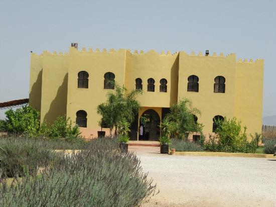 Riad Le Ksar de Fes: vue du côté entrée