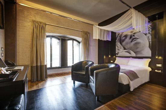 Hotel Dharma: Junior Suite