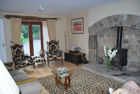 Bay Tree Farm: Foto de la sala de estar en donde te recibe Val con un trocito de tarta casera y un té.