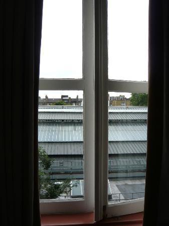 Trebovir Hotel: chambre au calme malgré la proximité de la gare