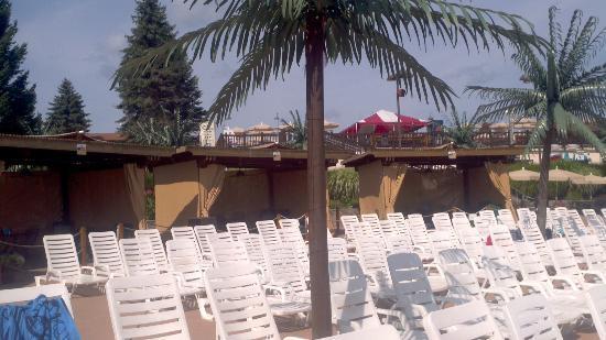 Camelbeach Mountain Waterpark Wavepool Deluxe Cabanas 3 5