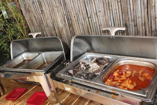 Celina's Cafe and Restaurant: food trays