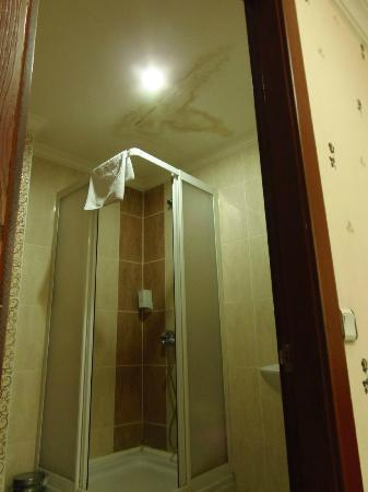 Asmin Hotel : Watch up