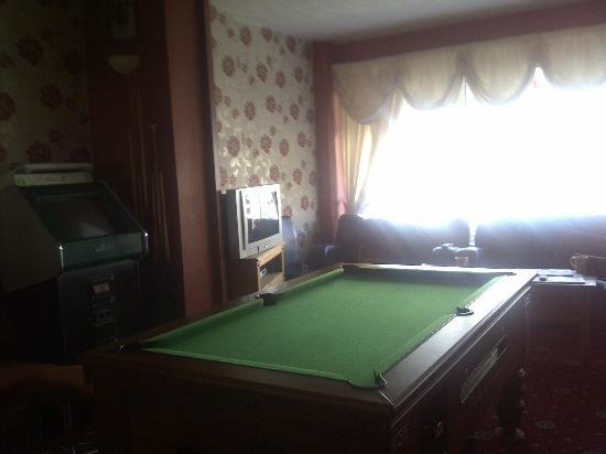 Manchester House: pool table/bar