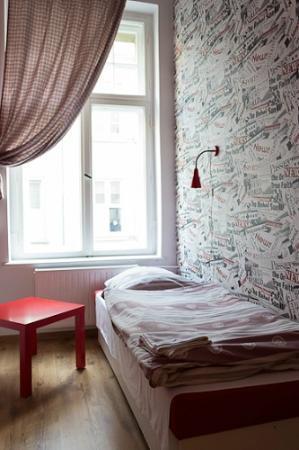 Retro Hostel: Single room
