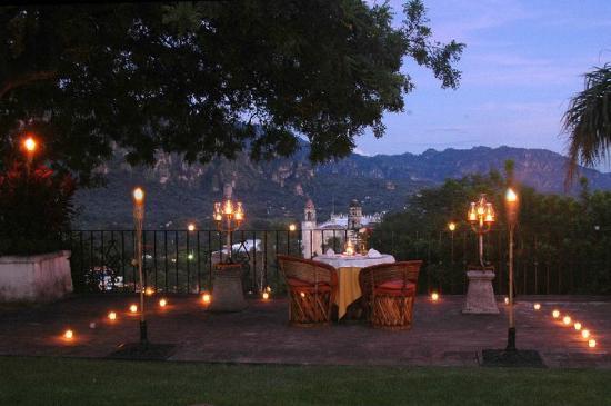 Posada Del Tepozteco: Sorprende a tu pareja con una noche romántica.
