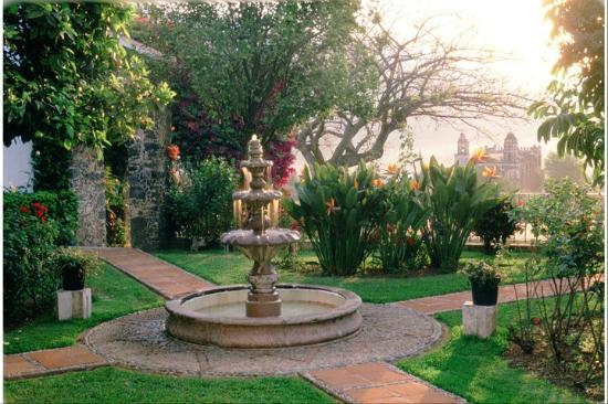 Esplendorosos jardines con vistas espectaculares for Jardines espectaculares