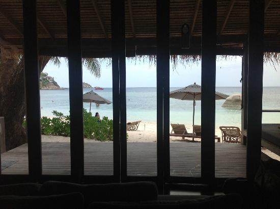 Haadtien Beach Resort: view from bed