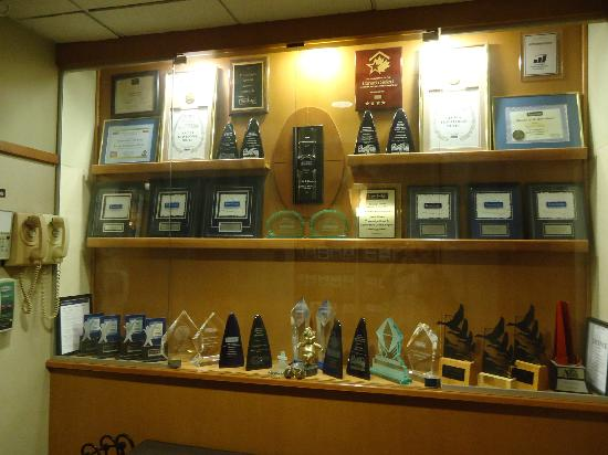 Travelodge Hotel and Conference Centre Regina: Impressive number of awards and trophies