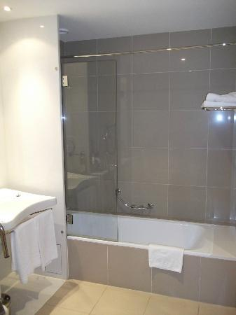 Mercure Porto Gaia: WC moderna
