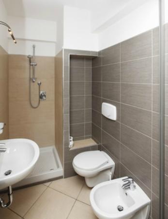 Residence Ma Mu: Bagno con doccia