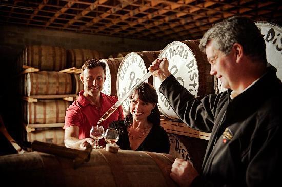 Cape Breton Island, Canada: Glenora Distillery