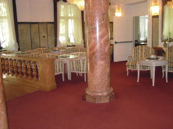 Grand Hotel Bellevue: ingresso hotel