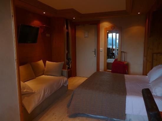 Chalet-Hotel Alpina: le canapé fait lit