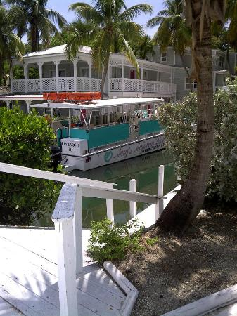 Amy Slate's Amoray Dive Resort: Dive boat